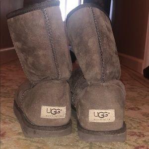 UGG short brown boots